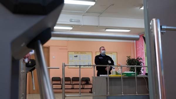 Охранников в России уличили в покупке «корочек» и уроках на манекенах без рук и ног